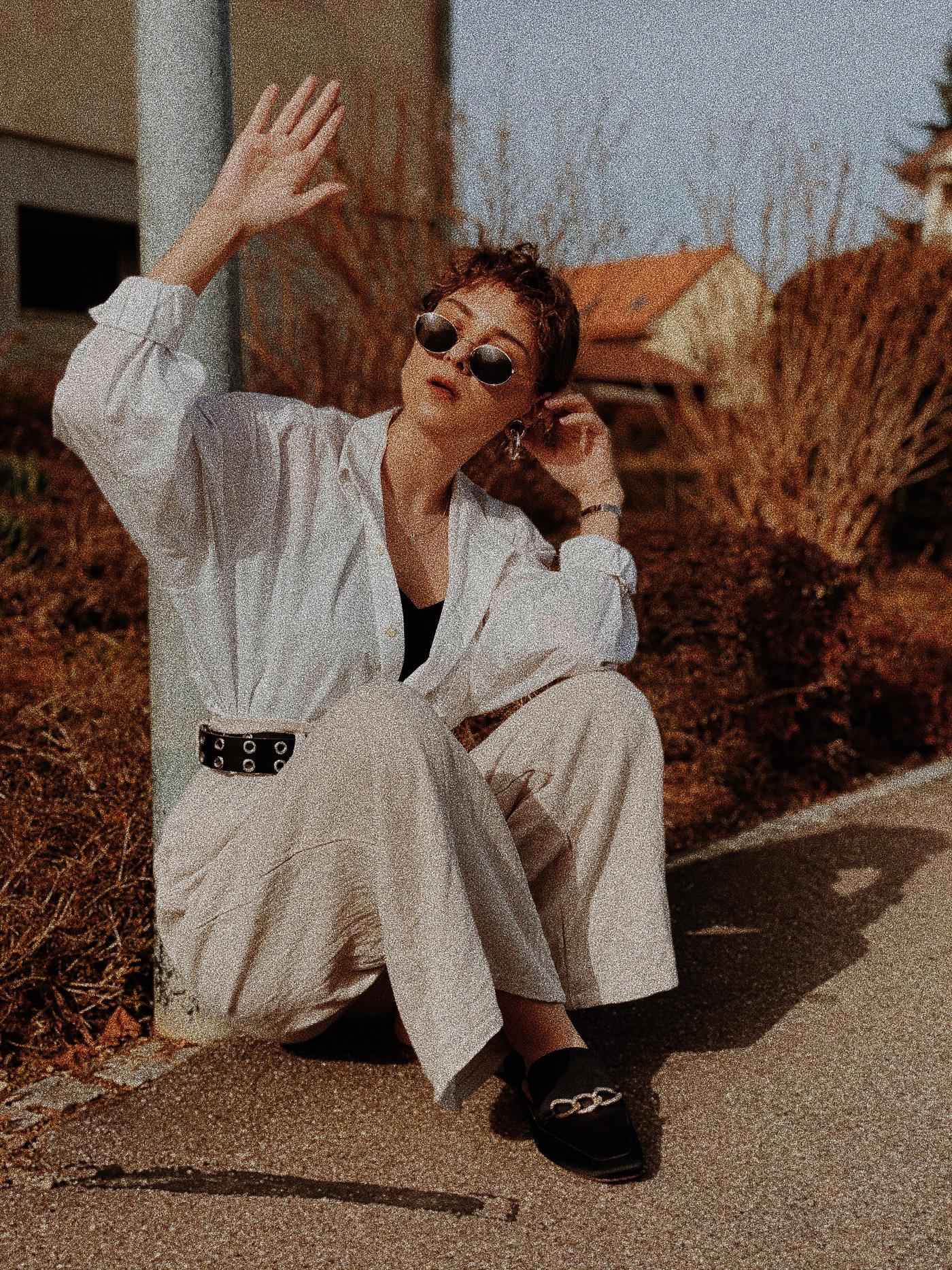 Leinenhose mit Bluse für im Frühling 2021